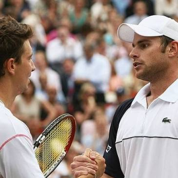 Alex Bogdanovic faces Andy Roddick at Queens in 2007