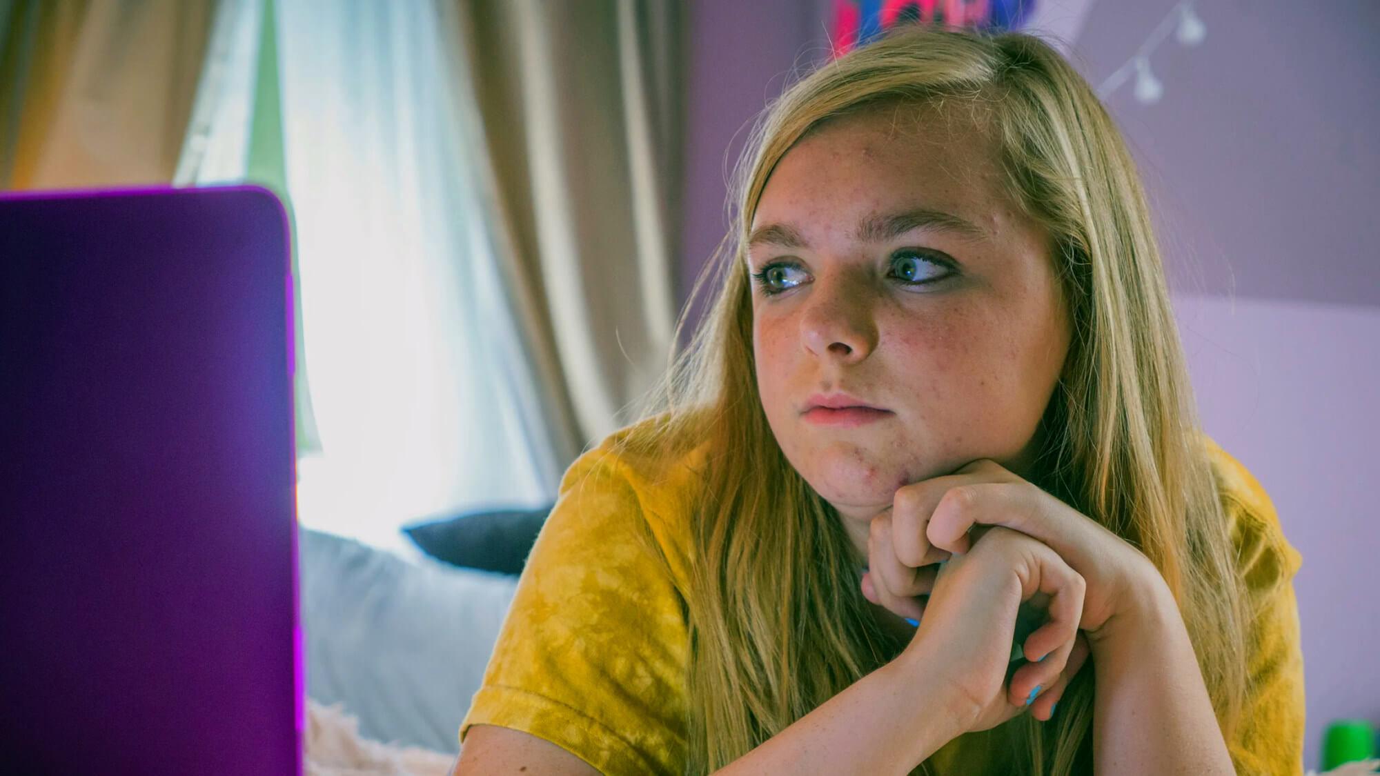 Kayla (Elsie Fisher) in Eighth Grade
